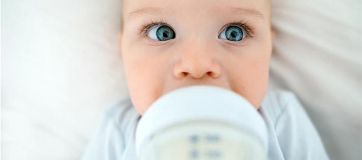 赤ちゃん_粉ミルク