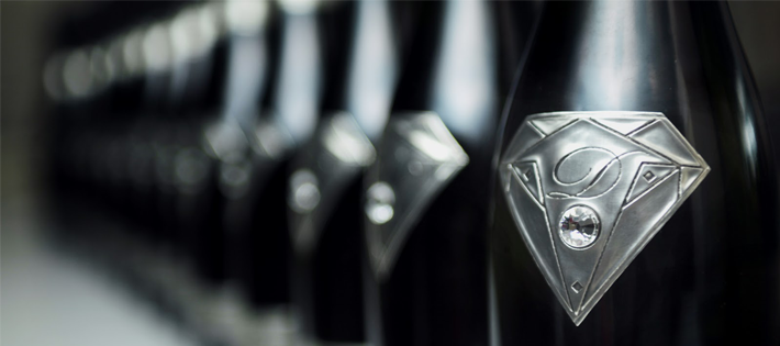 世界一値段の高い『シャンパン/グー・ド・ディアモン/テイスト・オブ・ダイアモンズ』